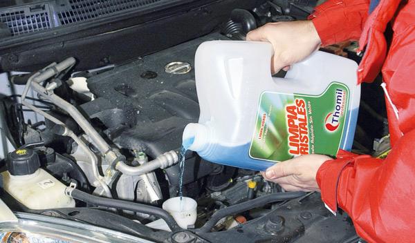Líquido limpiaparabrisas para la puesta a punto del coche