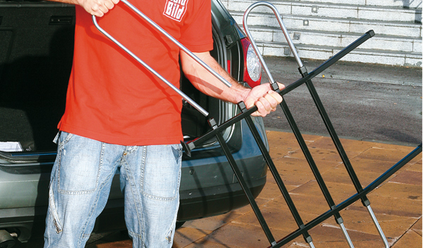 Barras telescópicas para viajar con perro en el coche