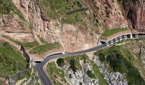 Detalle de Chapman's Peak Drive, una de las carreteras más bonitas del mundo, en África