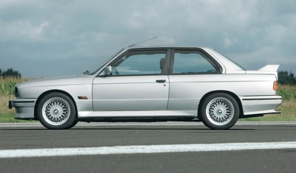 BMW M3 E30 perfil