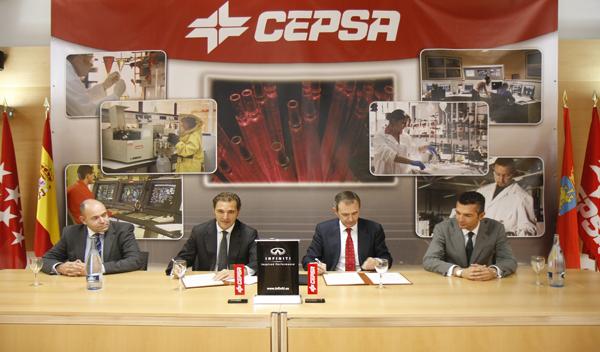 Firma del acuerdo de colaboración entre Cepsa e Infiniti