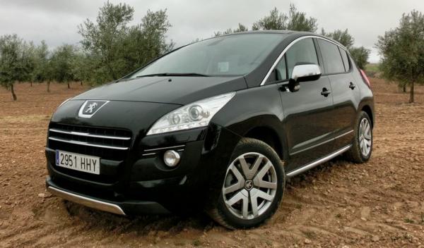 Peugeot 3008 Hybrid4 campo