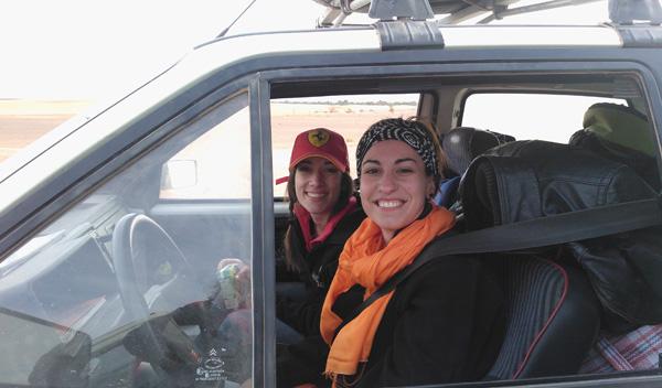 Estas somos nosotras. Equipo con dorsal #51: mi compañera Judith y yo.