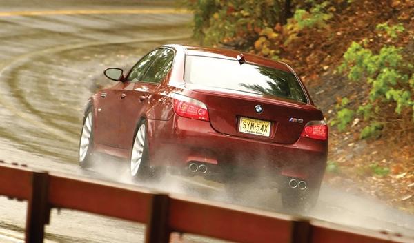 Llamada a revisión BMW Serie 5 por fallo en los faros traseros