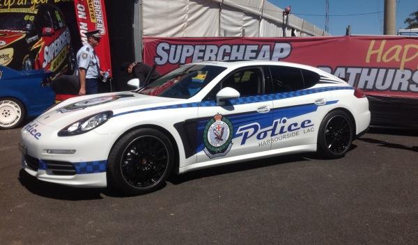Porsche panamera 4s policia