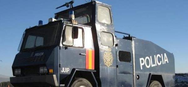 camion agua policia