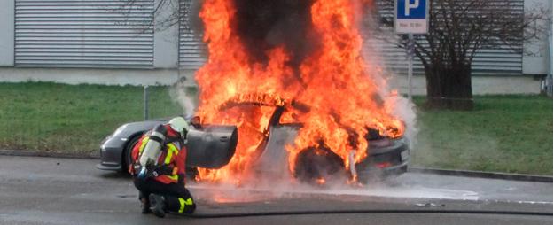 Porsche 911 GT3 991 incendiado