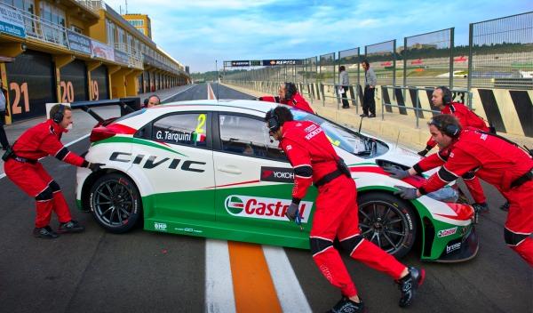 Tests Cheste Honda Civic WTCC