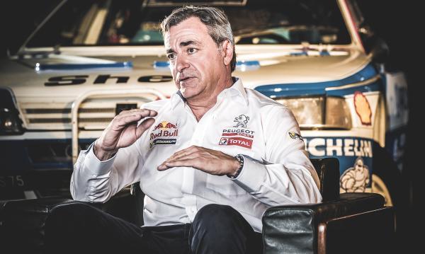 Carlos Sainz con Peugeot en el Dakar
