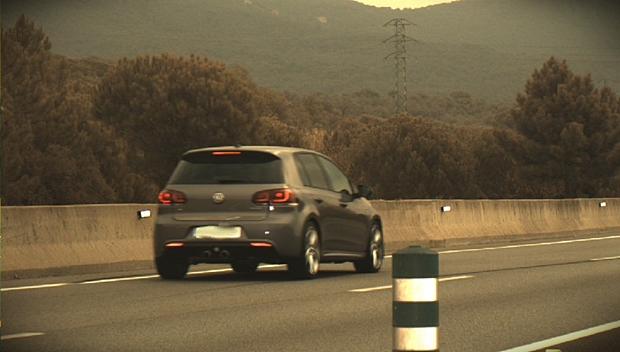 Un conductor cazado a 214 km/h en un tramo de 100