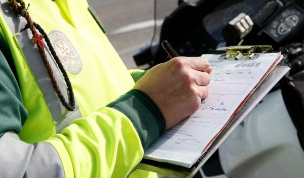 guardia civil controles alcohol droga