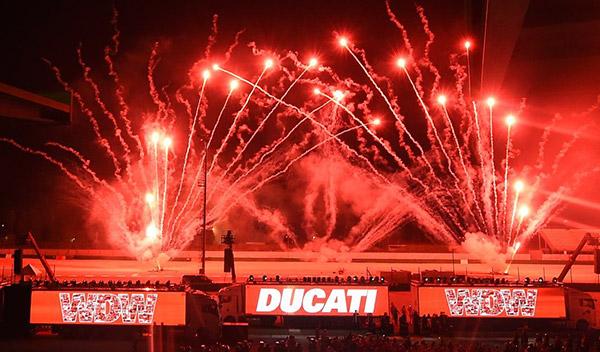 World Ducati Week 2014 fuegos