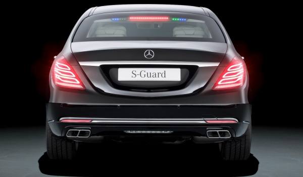 Mercedes-Benz-S600-Guard-trasera-pequeña