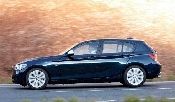 BMW 116d EfficientDynamics lateral