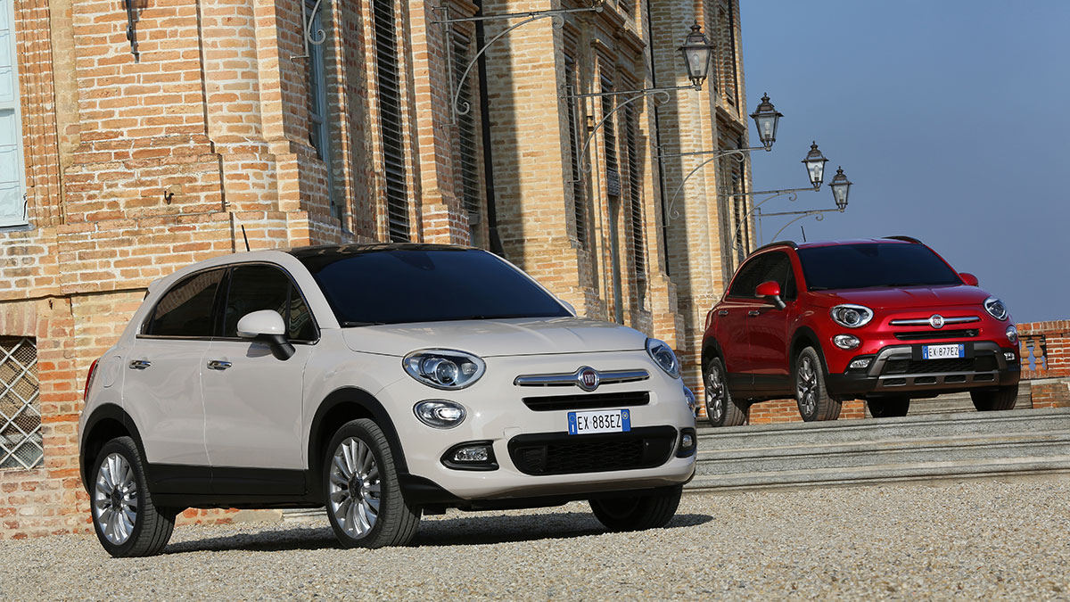 el fiat 500x estrena un nuevo sistema uconnect tecnolog a. Black Bedroom Furniture Sets. Home Design Ideas