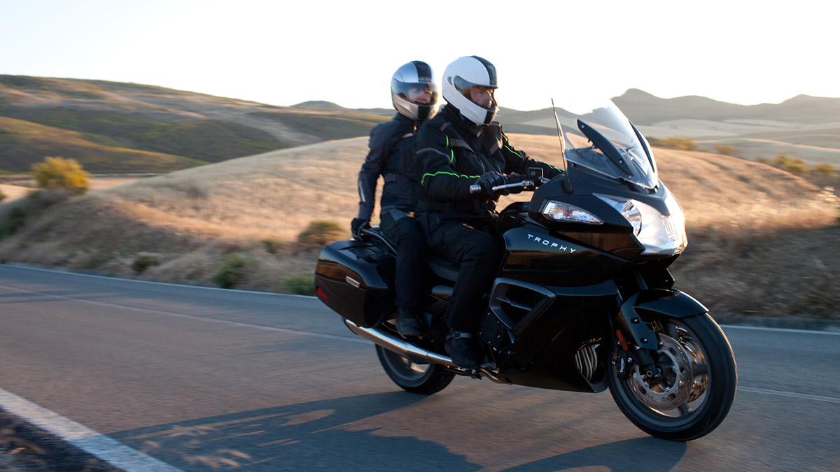 Las Mejores Motos Touring Para Viajar En Pareja O: Las 10 Mejores Motos Para Viajar En Semana Santa -- Motos