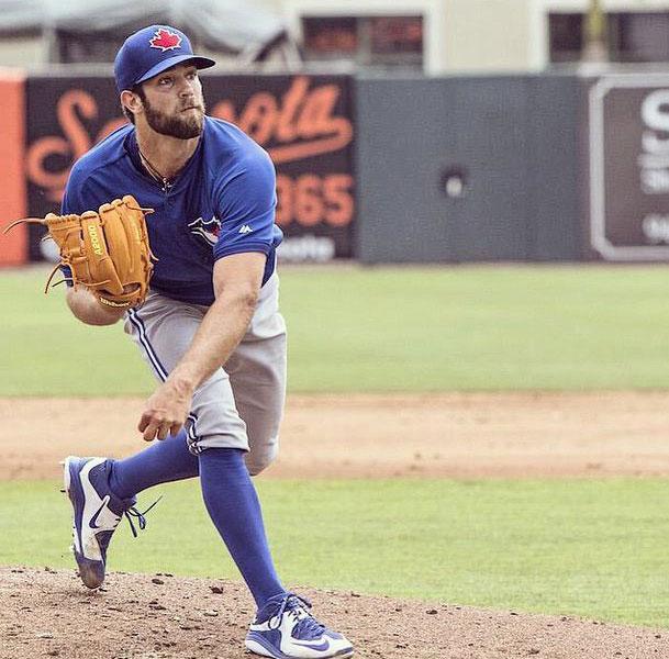 Daniel Morris es jugador profesional de beisbol