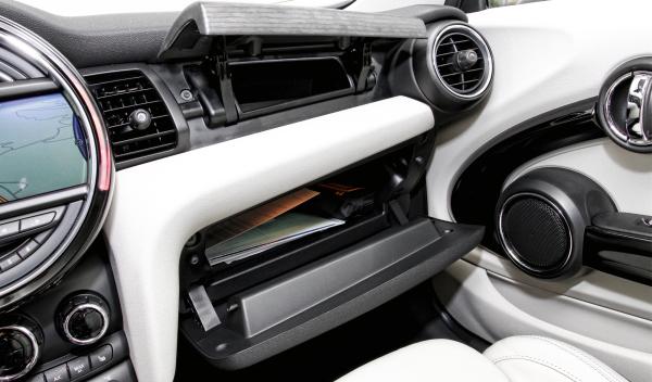los mini de usa a revisi n por fallos en el airbag. Black Bedroom Furniture Sets. Home Design Ideas