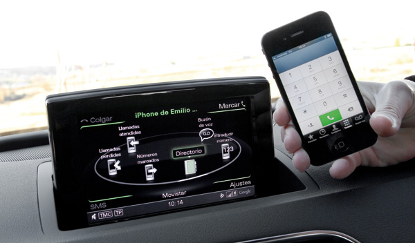 Tableta integrada en el coche
