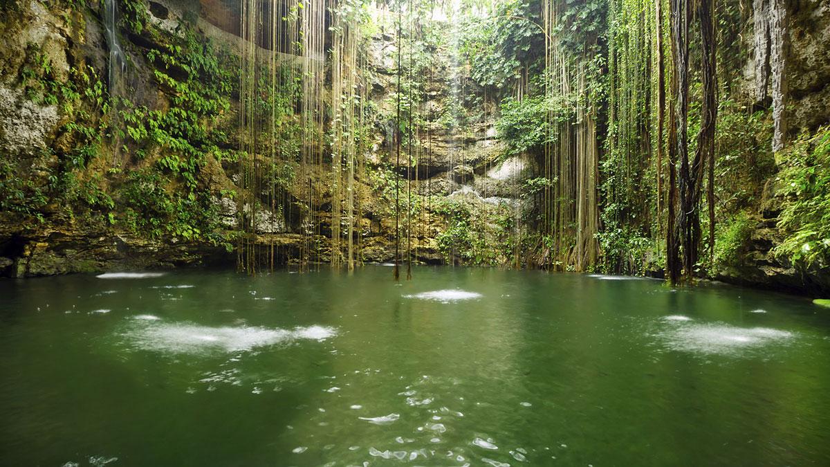Cenote Sagrado en Chichen Itzá