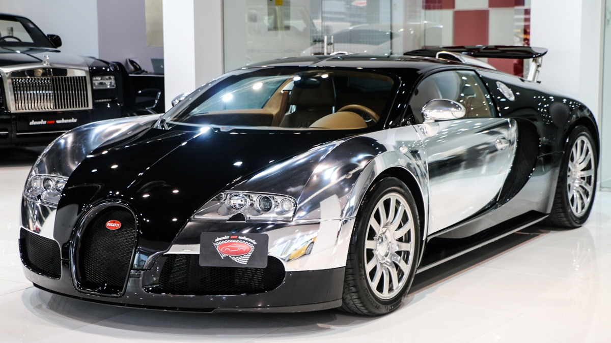 un bugatti veyron cromado a la venta en dubai. Black Bedroom Furniture Sets. Home Design Ideas
