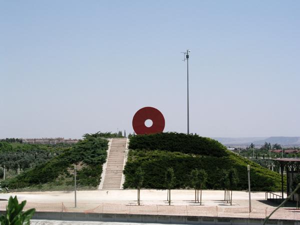 """El """"donuts"""" es todo un emblema del parque Juan Carlos I"""