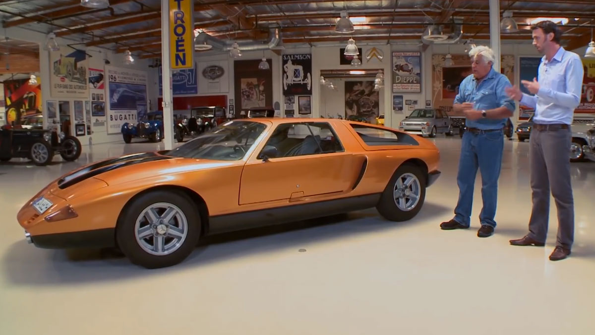 jay leno prueba una leyenda el mercedes c111 ii concept. Black Bedroom Furniture Sets. Home Design Ideas