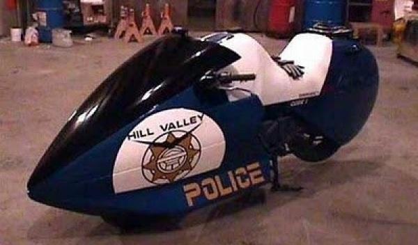 Moto policía Regreso al Futuro