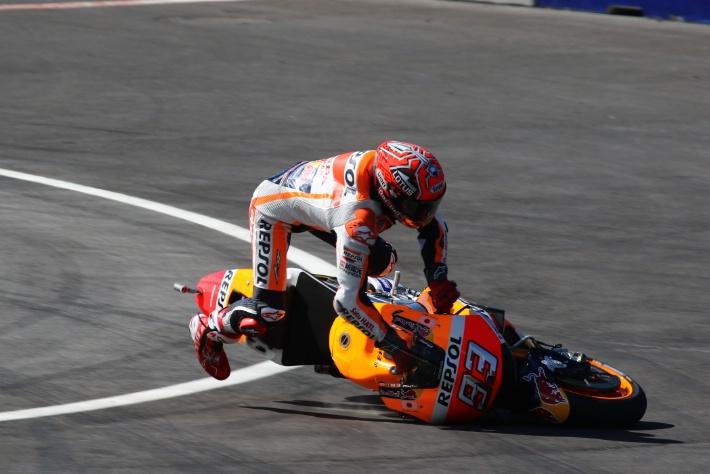 El hombro puede ser un serio problema para marc m rquez motos - Patinete electrico marc marquez ...