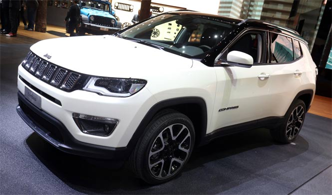 jeep compass opening edition con mucho equipamiento. Black Bedroom Furniture Sets. Home Design Ideas
