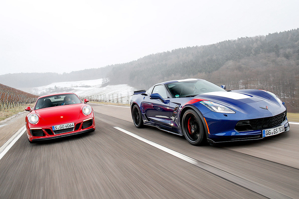 comparativa corvette grand sport vs porsche 911 gts 2017. Black Bedroom Furniture Sets. Home Design Ideas