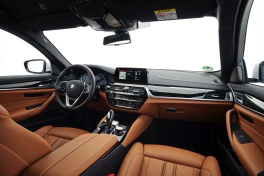 BMW_520d_Touring_088