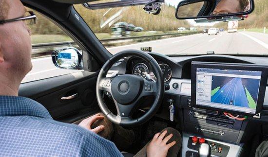 Qué es y cómo funciona un coche autónomo