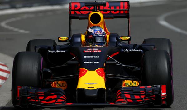 Red Bull y Toro Rosso llevarán motor Renault en 2017 y 2018