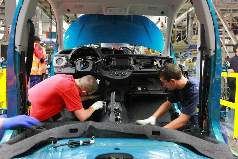 Fabricación Toyota Yaris 2017
