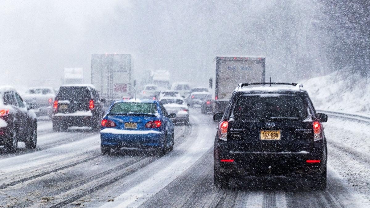 5 consejos para conducir sobre nieve - Anticípate a las situaciones
