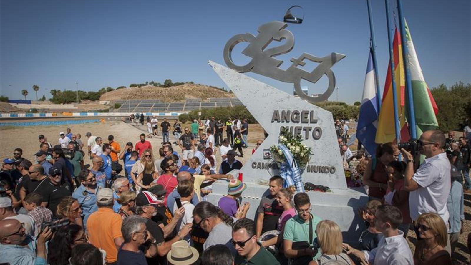 Circuito Jerez : ImÁgenes de la nueva escultura del circuito de jerez en recuerdo