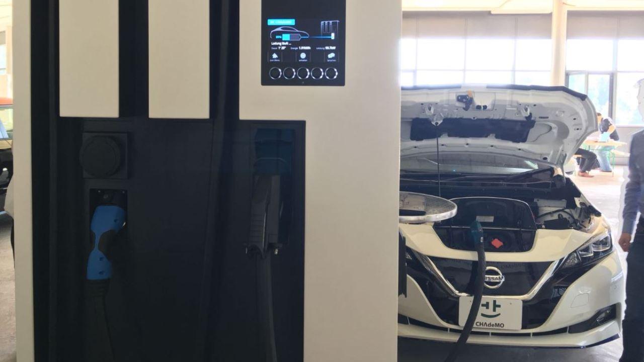 el nissan leaf tendr una bater a de 60 kwh en 2019 coche el ctrico. Black Bedroom Furniture Sets. Home Design Ideas