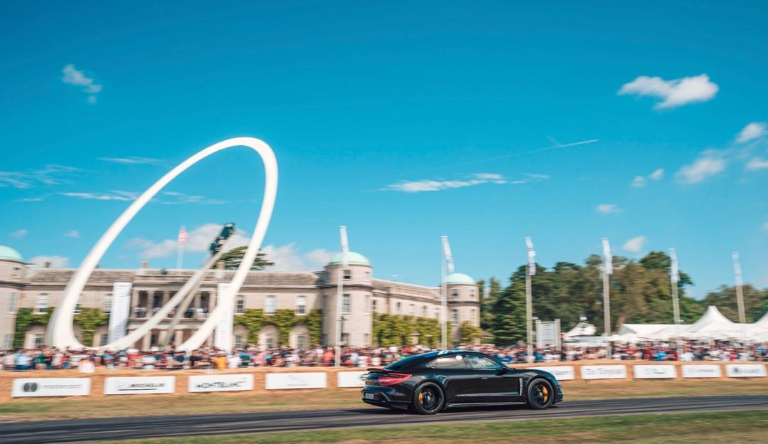 Festival Of Speed >> Garden Party With Plenty Of Horsepower Taycan Visits The Festival
