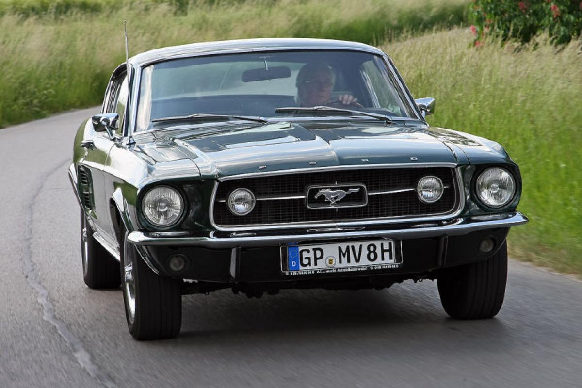 Al Volante De Un Mito Ford Mustang Gta Fastback De 1967