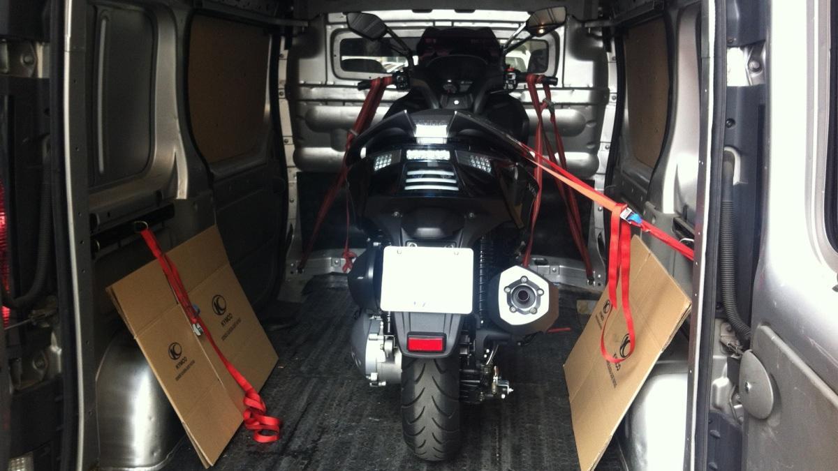 Cómo Llevar Tu Moto En Furgoneta Y Ahorrar En Ocho Pasos Motos Autobild Es