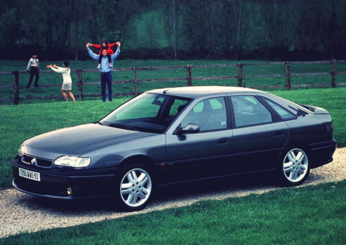 Compa oldie: ¿Peugeot 605 o Renault Safrane?
