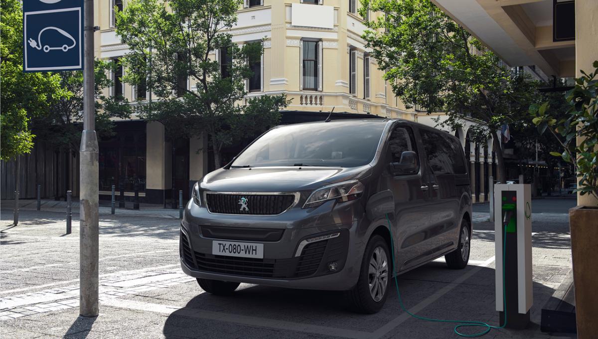 Peugeot e-Traveller: eléctrico 100% y valido para familias y empresas
