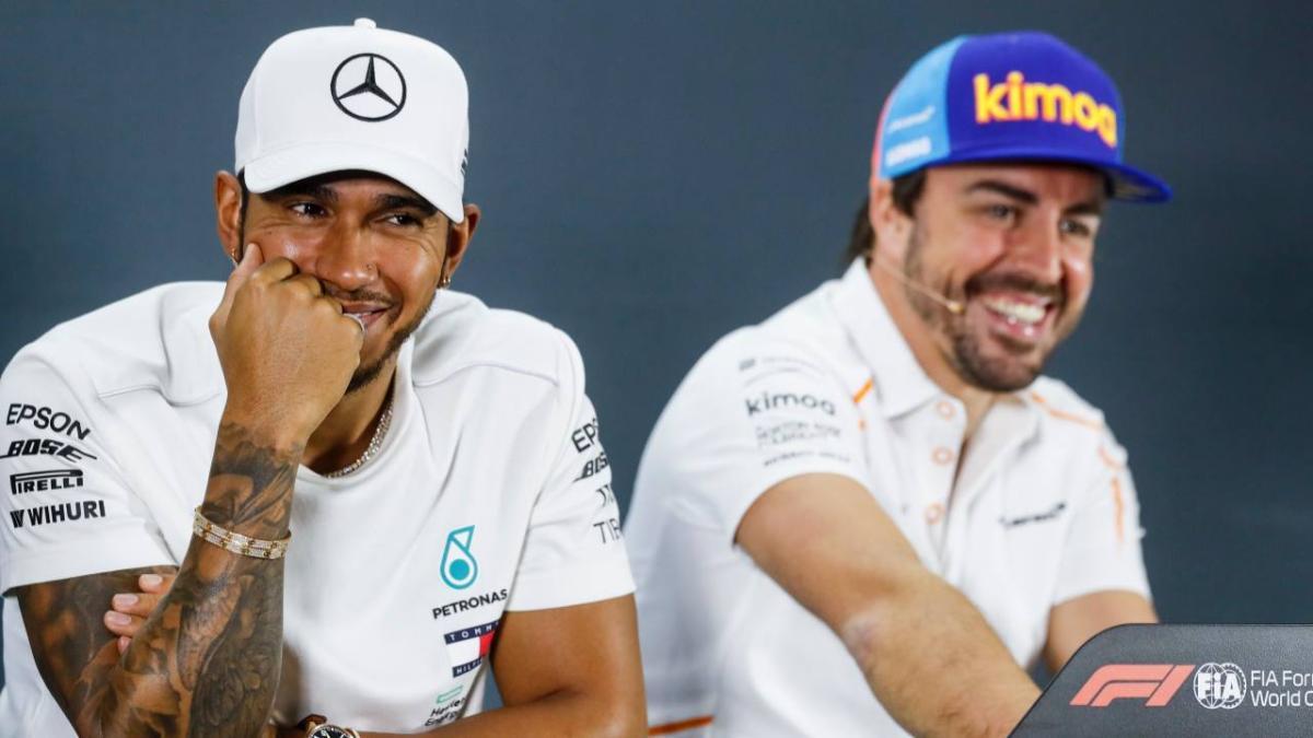 Hamilton arremete contra Ferrari y se acuerda de Alonso