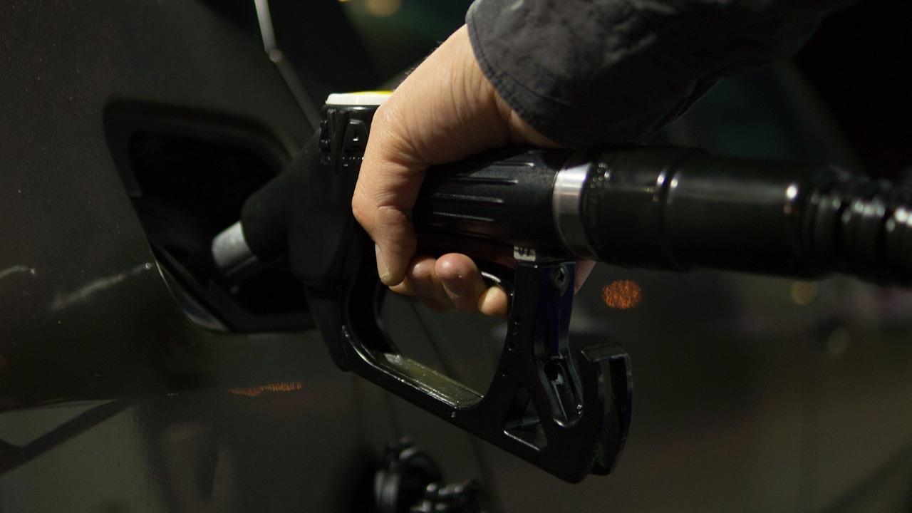 gasolineras-baratas-2363653.jpg?itok=OJC