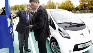 El Citroën C-Zero inaugura la primera fotolinera de España