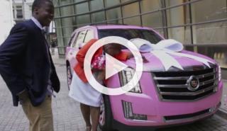 Teddy Bridgewater regala un Escalade rosa a su madre