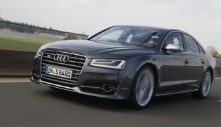 Audi S8 delantera