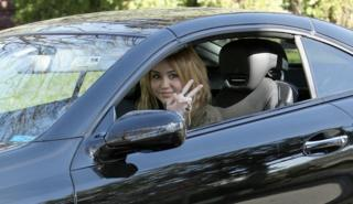 Los coches de Miley Cyrus (¡te envidiamos Hannah Montana!)