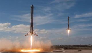 cohete Falcon Heavy de Space X despega con un Tesla Roadster